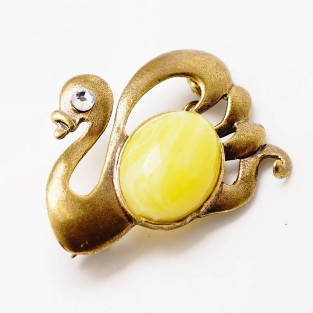Брошь Лебедь янтарь молочный бронза 2187