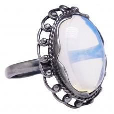Кольцо Лунный камень посеребрение чернение 971