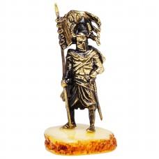 Фигурка Рыцарь Знаменосец (латунь, янтарь белый)  3368