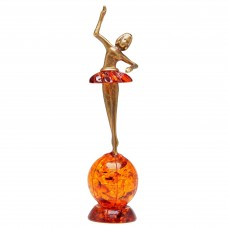 Фигурка Балерина на земном шаре (янтарь коричневый) 634