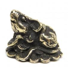 Фигурка Мышь на монетах бронза чернение 1951